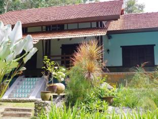 Aman Dusun Farm and Orchard Retreat - Riverview