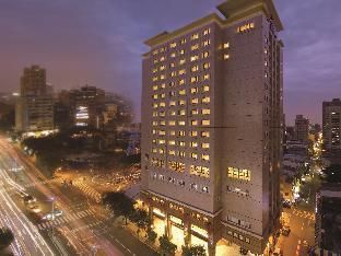 ロイヤル リーズ ホテル