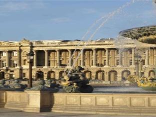 De Crillon Hotel Paris - Exterior