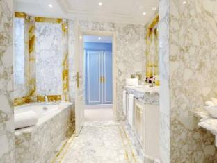 De Crillon Hotel Paris - Bathroom