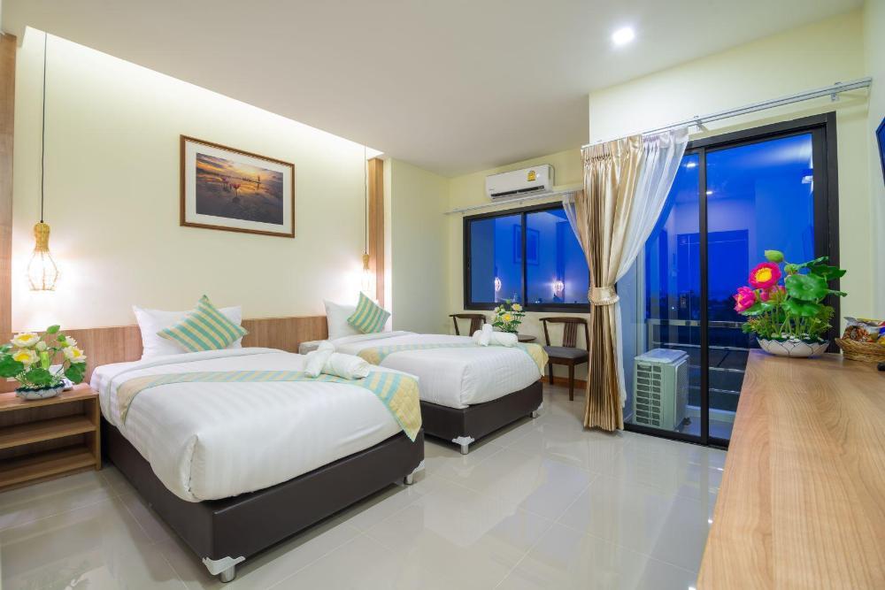 Pura Nakhon Hotel
