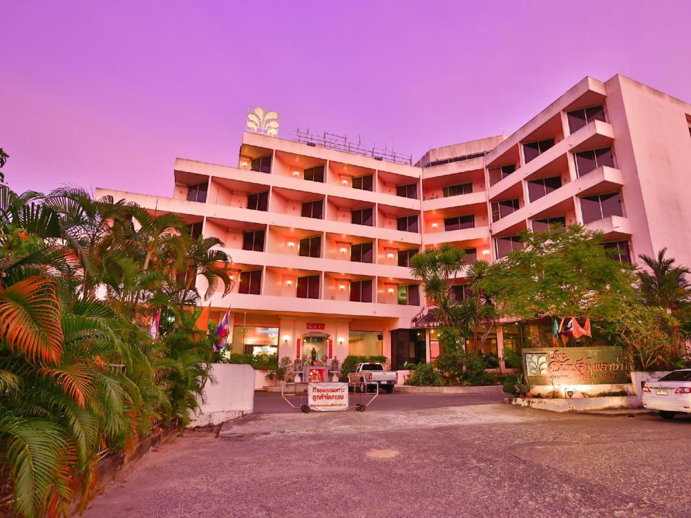 Jansom Plaza Chumphon Hotel