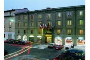 Arli Hotel Business and Wellness
