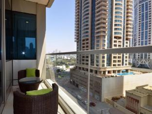 Dubai Marina - Ocean Heights Apartment