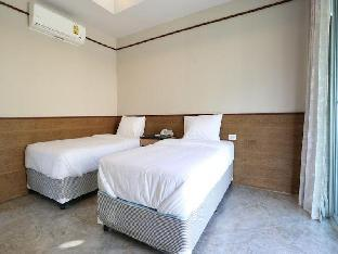 Nopparat Garden Hotel guestroom junior suite