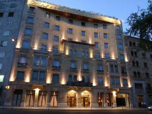 阿拉梅达宫酒店