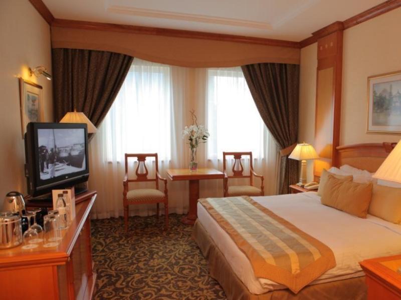 メトロポリタン パレス ホテル