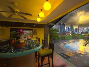 Woraburi Sukhumvit Hotel Bangkok - Sunshine & City Lights