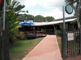 Lazy Lizard Tavern and Caravan Park Cabins