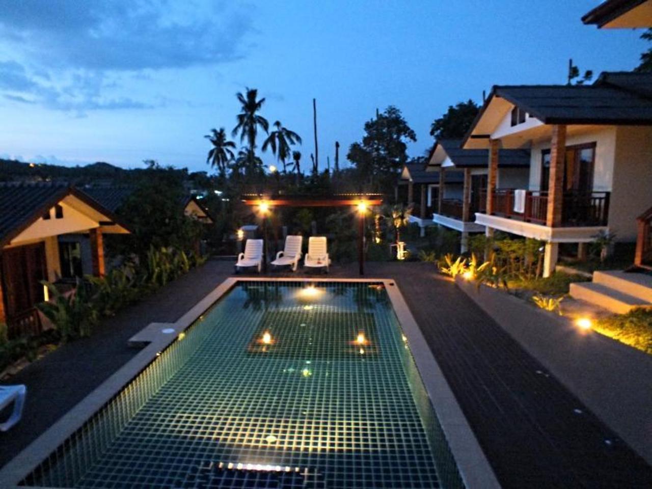 กมล วิลลา (Kamon Villa)