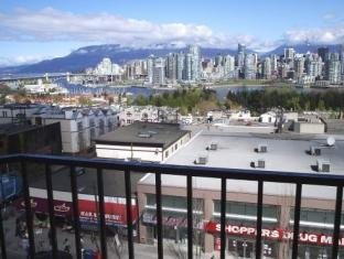 Park Inn & Suites by Radisson Vancouver (BC) - Balcony/Terrace