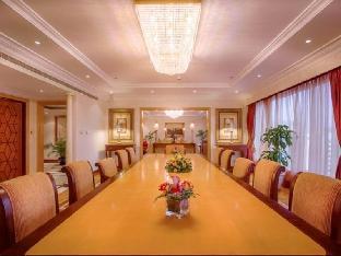 Corniche Hotel Abu Dhabi discount