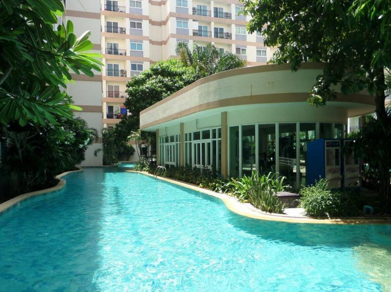 ปาร์คเลน รีสอร์ท บาย อีสท์เวสท์ จอยท์เวนเจอร์ (Park Lane Resort by East West Joint Venture  )