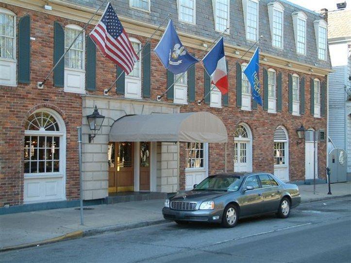 Best Western Plus French Quarter Landmark Hotel image