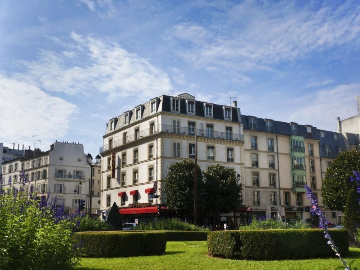 Le bon hotel la defense paris france great for Hotel le france
