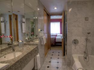 The Chelsea Harbour Hotel London - Bathroom
