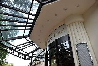 Get Coupons Domaine de Divonne Hotel