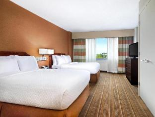 view of Embassy Suites Parsippany Hotel