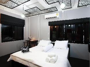ロゴ/写真:Me Room Hotel