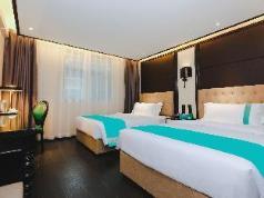 Xana Hotelle·Nanchang Bayi Square Metro Station, Nanchang