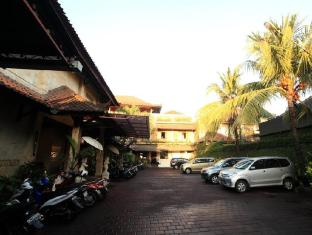 Balisandy Resorts Bali - Parking Area