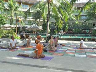 HARRIS Resort Kuta Beach Bali - Sports and Activities
