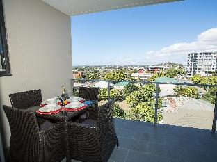 Gladstone Central Plaza Apartment best deal