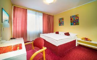 Hotel Uno Prague - image 2