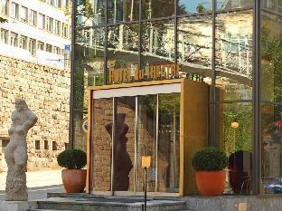 Du Theatre Hotel by Fassbind