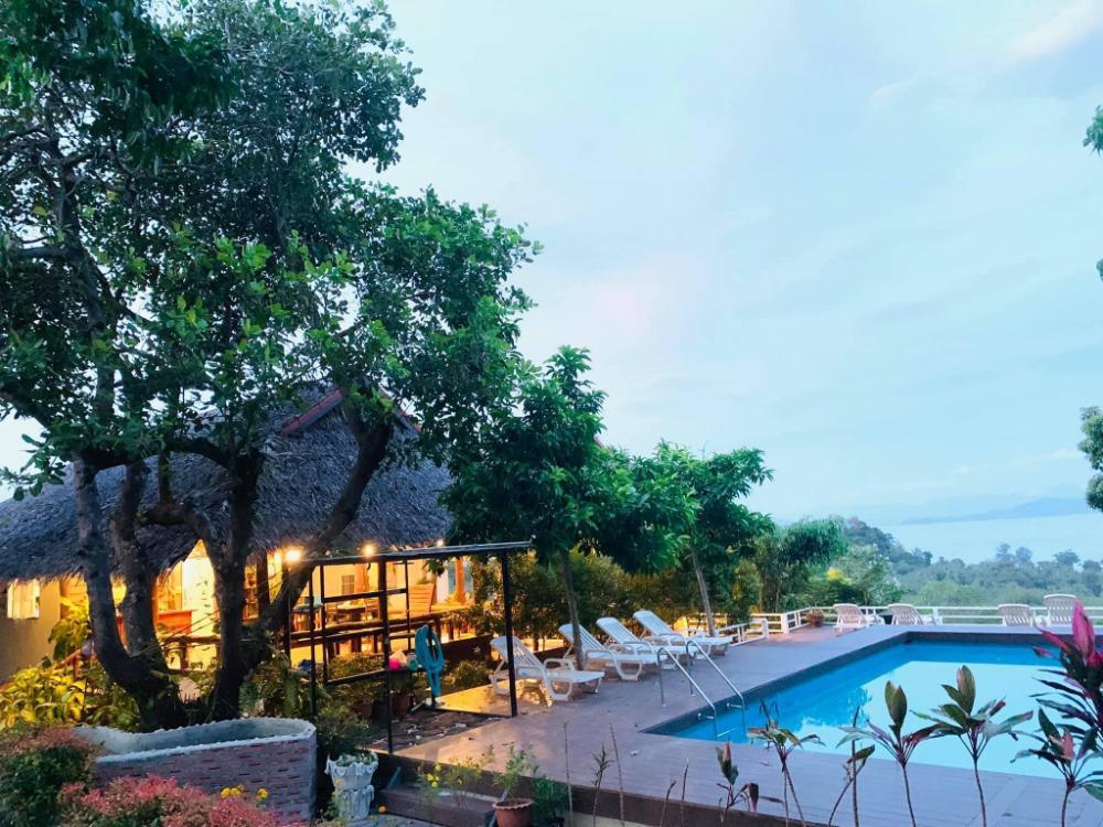 Lamai Koh Phayam Resort