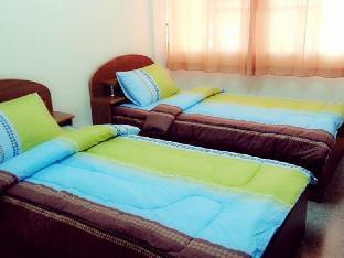 Jaroensin Place guestroom junior suite
