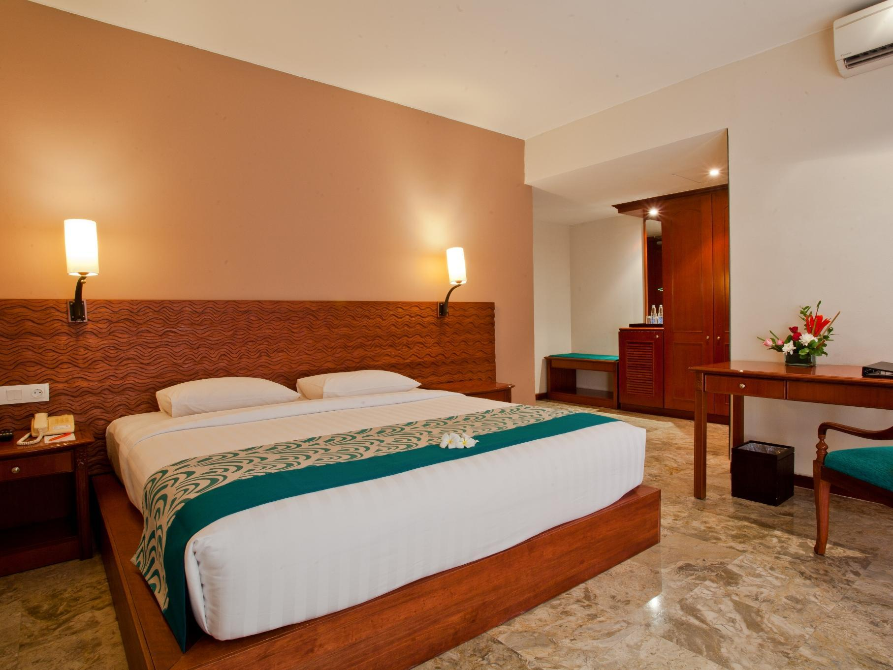 White Rose Kuta Resort - Villas & Spa