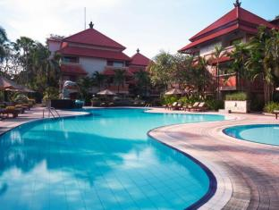 White Rose Kuta Resort - Villas & Spa Bali - Swimming Pool