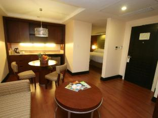 Crown Regency Hotel & Towers Cebu City - Junior Suite