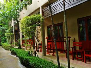 Kata Country House Hotel Phuket - Deluxe building