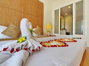 Kata Lucky Villa & Pool Access Phuket - Honeymoon Pool Access