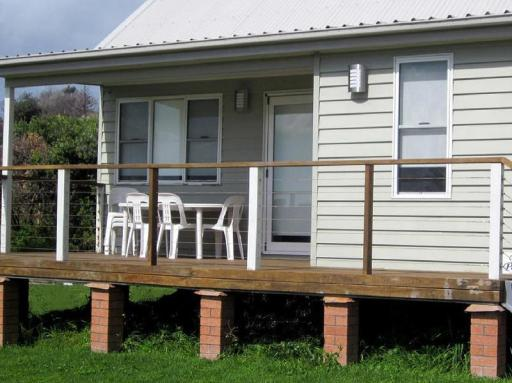 Lakeshores SurfSpray Beach Pavilion Cottage hotel accepts paypal in Lake Macquarie