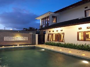 Amaryllis Junjungan Villa