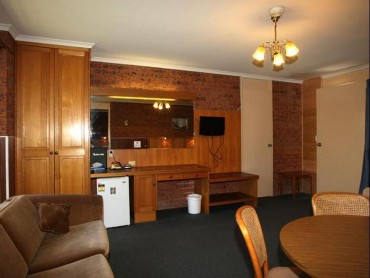 Golden Leaf Motel photo 2