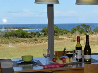 A Portside Experience - Portside Links Luxury Accommodation PayPal Hotel King Island