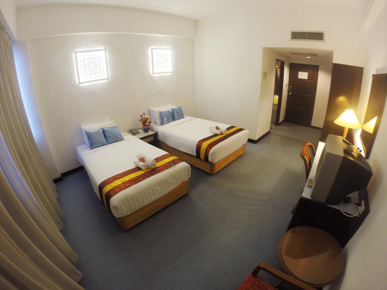 โรงแรมภูเก็ต ทาวน์อินน์