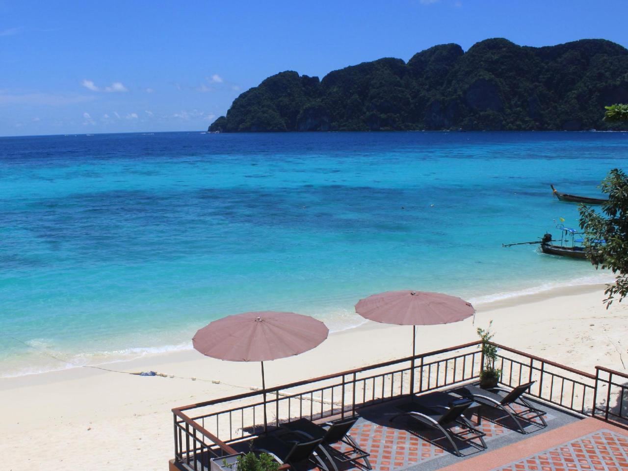 พีพี ลองบีช รีสอร์ท แอนด์ วิลล่า (Phi Phi Long Beach Resort and Villa)