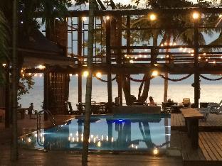 Apple Beachfront Resort