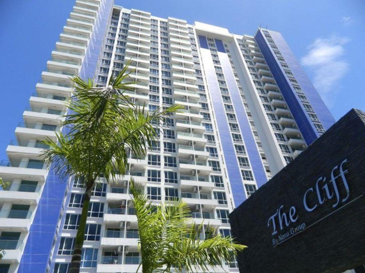 ซันทะเล เดอะ คลิฟ อพาร์ตเมนท์ (Suntalay The Cliff Apartments)