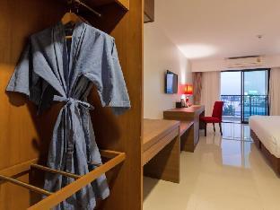 Riche Hua Hin Hotel guestroom junior suite