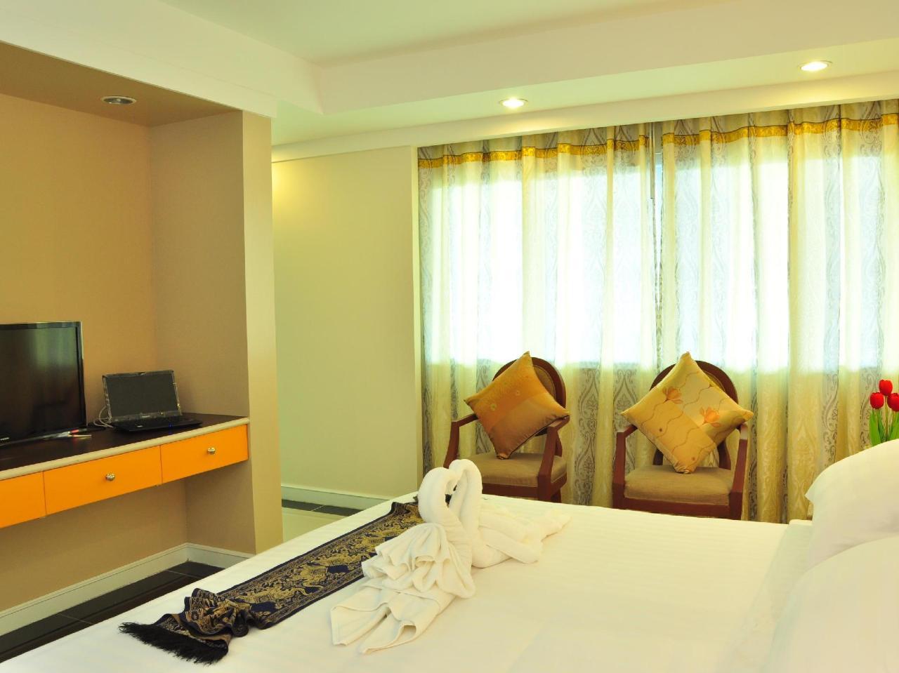 โรงแรมแกรนด์ นาคา (Grand Naga Hotel)