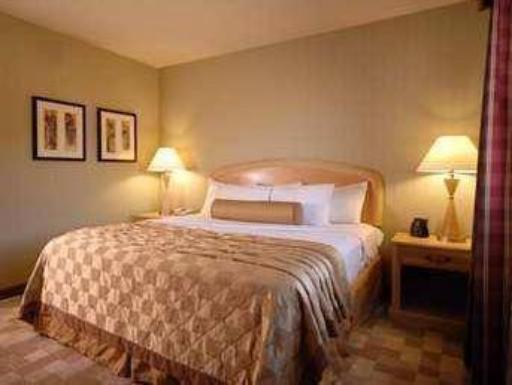 Embassy Suites San Rafael Marin County Hotel hotel accepts paypal in San Rafael (CA)