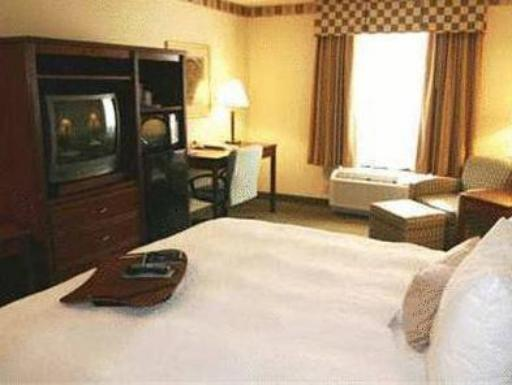 Hampton Inn & Suites Lake Mary At Colonial Townpark hotel accepts paypal in Lake Mary (FL)