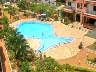 Maria Rosa Resort North Goa - Swimming Pool