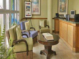 booking.com Grand Cayman Beach Suites